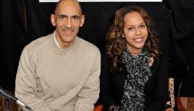 Tony & Lauren Dungy Sign Copies Of 'You Can Be A Friend'