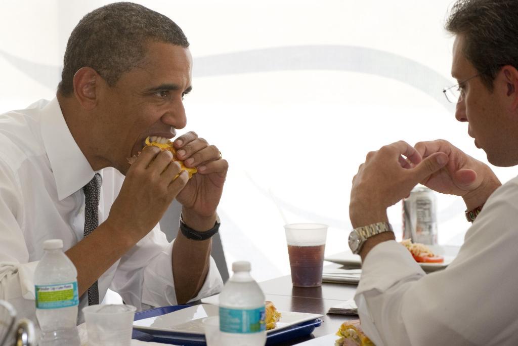 US President Barack Obama eats a 'median