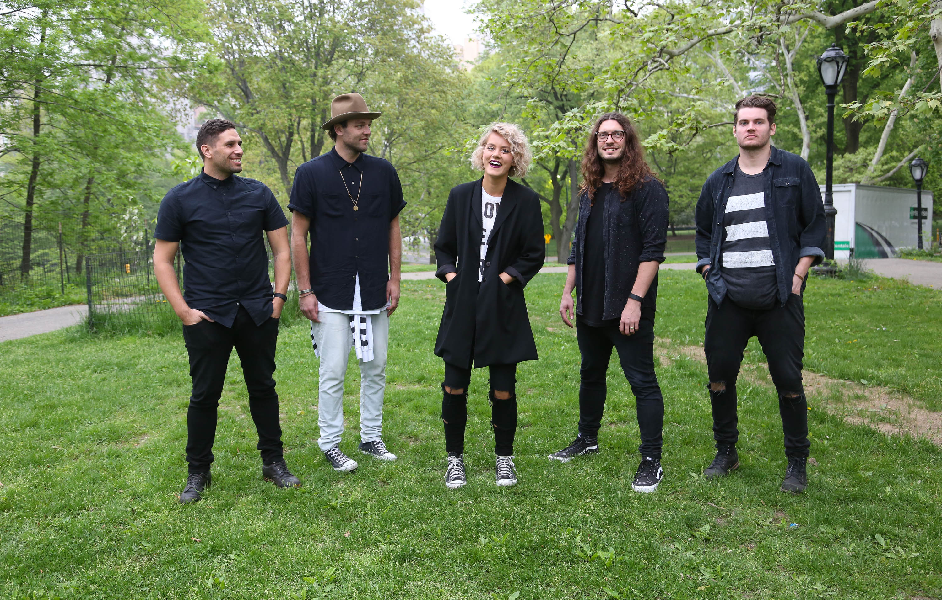 'Welcome To The Summer Party' Featuring Hillsong In Concert