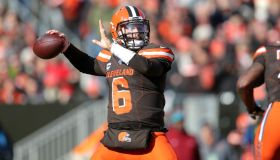 NFL: NOV 24 Dolphins at Browns