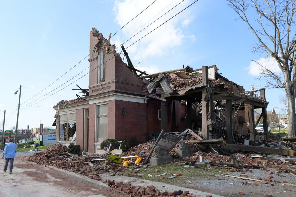 Over 20 Dead After Tornadoes Roar Across Tennessee, Including Nashville